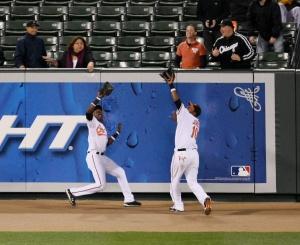Baltimore_Orioles_outfielder_collision